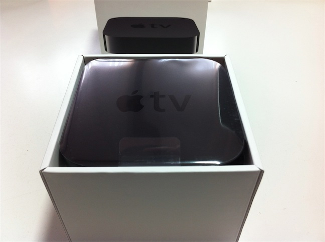 unboxing Apple TV 1080 p