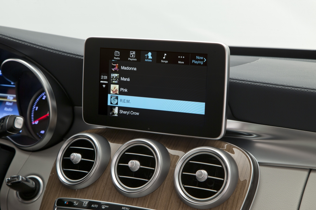 Mercedes ci mostra le immagini ad alta risoluzione di for Mercedes benz apple carplay